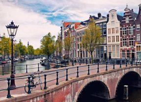 Amsterdã, a capital mundial do ciclismo: uma história para se inspirar!